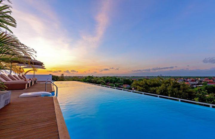 10 Rekomendasi Hotel Murah dengan Infinity Pool di Bali, Panoramanya Kece Abis