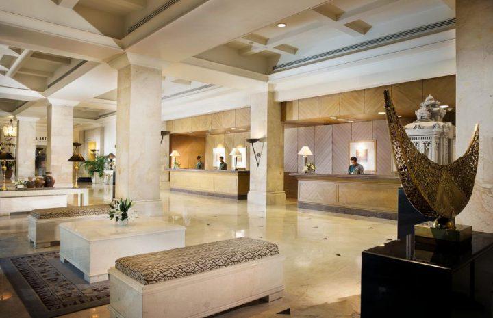 10 Rekomendasi Hotel Bisnis di Surabaya Tawarkan Fasilitas Lengkap dan Nyaman hotel bisnis di surabaya