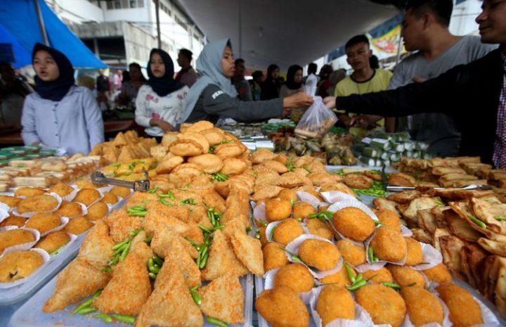 10 Pasar Takjil Paling Meriah di Dunia Sajikan Makanan Khas Hingga Manisan 10 pasar takjil paling meriah di dunia