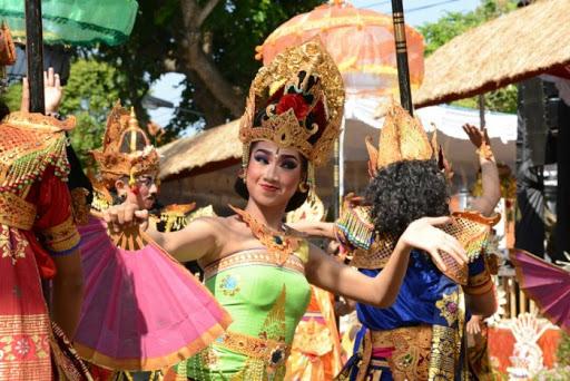 Unik dan Gemerlap Berikut 10 Festival Budaya Negara Paling Menarik di Dunia