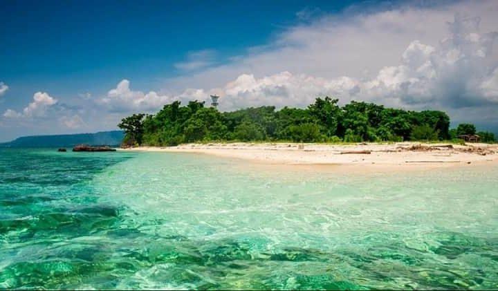 10 Pantai Terkenal di Banyuwangi, Cakepnya Nggak Kalah Sama Bali