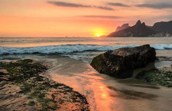 20 Pantai Terkenal di Brazil Keindahannya Tiada Duanya