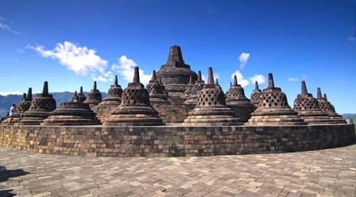 10 Candi di Magelang Selain Borobudur Yang Cukup Populer 10 Candi di Magelang Selain Borobudur